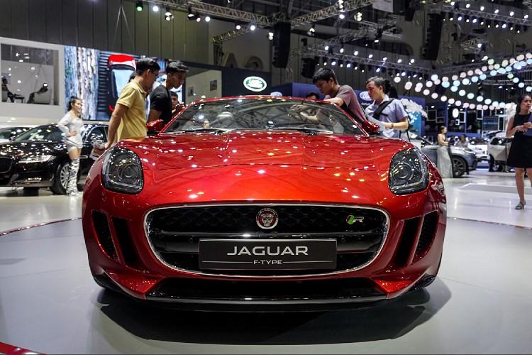 Chiêm ngưỡng Jaguar F-Type R Convertible hơn 10 tỷ tại Việt Nam - Hình 2