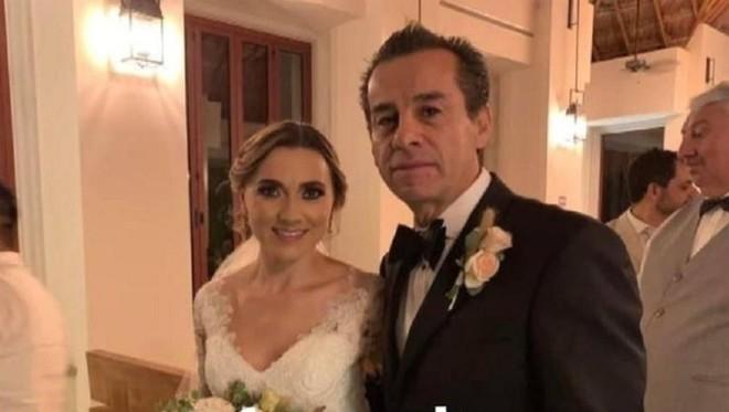 Cựu thị trưởng Mexico cưới con dâu 3 năm sau khi con trai qua đời - Hình 1