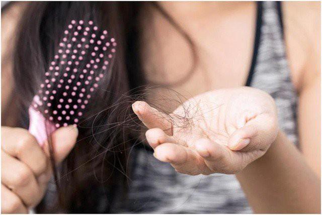 Những mẹo siêu hiệu quả giúp tóc không còn rụng ngày giao mùa - Hình 3