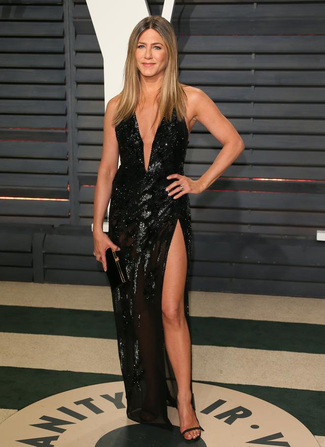 50 tuổi mà body đỉnh thế này, bảo sao Jennifer Aniston một thời khiến Brad Pitt say mê, Angelina kiêng dè - Hình 2