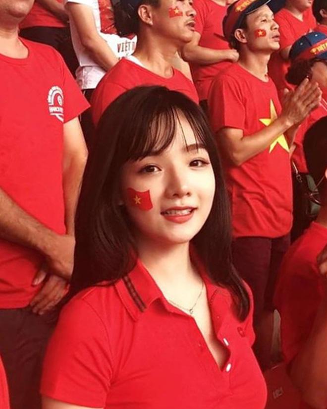 Hot girl Việt từng được đài SBS phỏng vấn khoe ảnh bầu 6 tháng, thân hình khiến tất cả bất ngờ - Hình 2