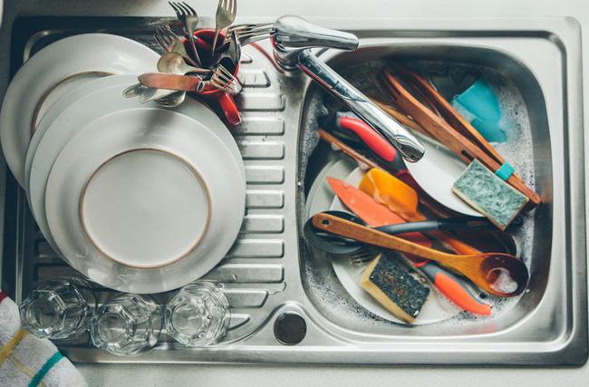 Những vật dụng chứa cả ổ vi khuẩn trong nhà và cách làm sạch đơn giản không ngờ - Hình 1