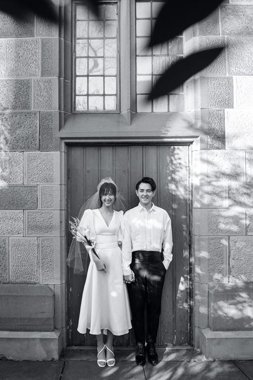 Váy chụp ảnh cưới của Đông Nhi được làm trong 1 tuần - Hình 1
