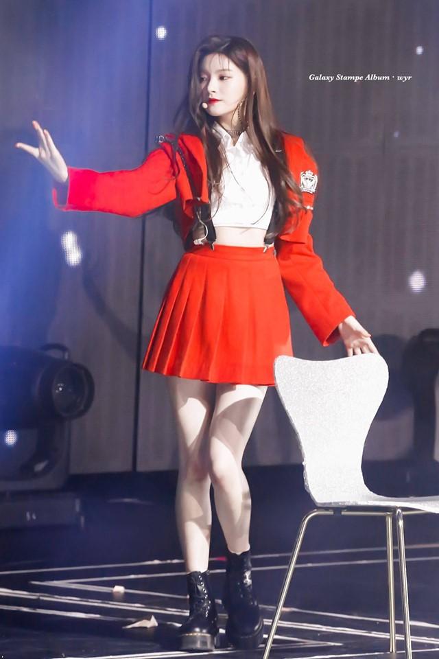 Bùng nổ tam giác visual hot nhất Gen4: Mỹ nhân Nhật - Trung - Hàn đọ sắc, ai xứng tầm nữ thần Kpop thế hệ mới? - Hình 22