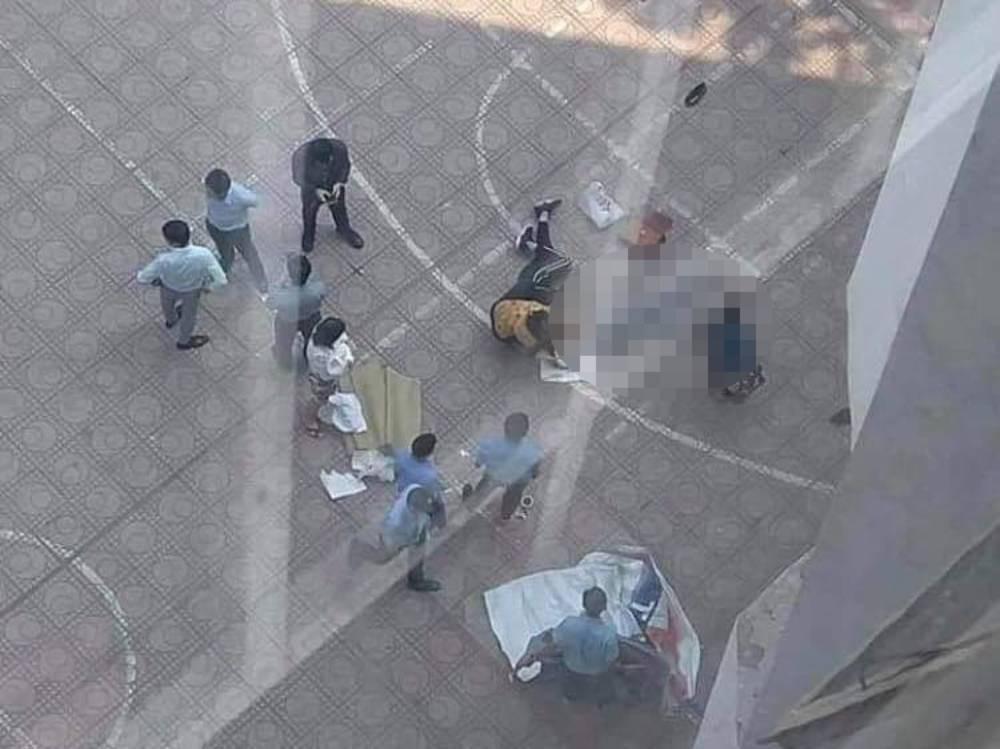 Nam sinh ĐH Kiến trúc rơi từ tầng 13 trúng người đang đi bộ dưới sân - Hình 1
