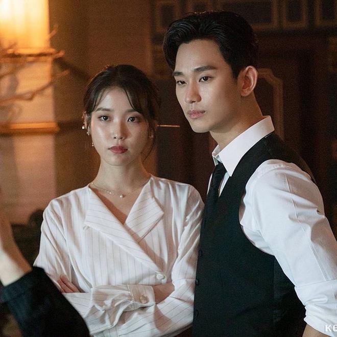 Phim tvN dở tụt dốc không phanh, SBS lộ diện trùm cuối từ bóc phốt tiểu tam tới bom tấn hành động - Hình 1