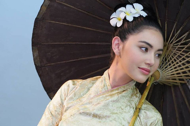 5 mĩ nhân cổ trang đẹp nhất xứ Thái: Bạn gái Sơn Tùng xinh đấy nhưng chưa thần thái còn thua nàng thơ Yaya - Hình 1