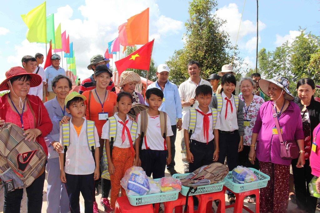 Chăm lo giáo dục ở huyện miền núi Tri Tôn - Hình 1