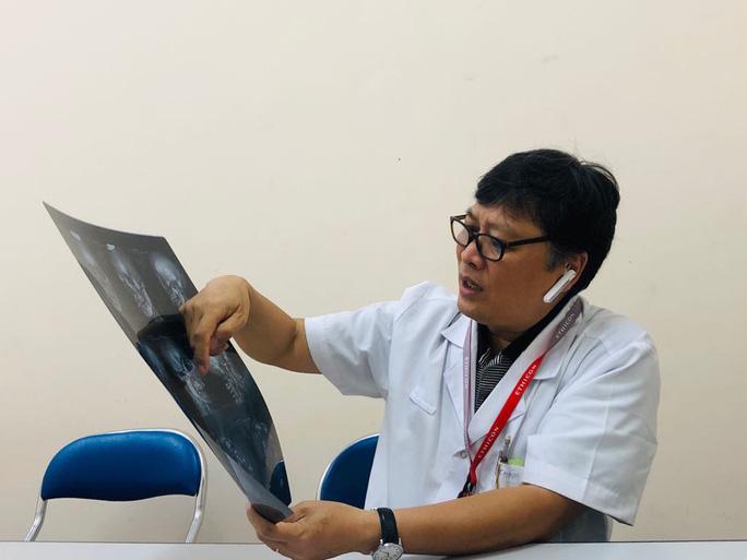 Nam bệnh nhân Hải Phòng ngáo đá giật tóc, lên gối đánh điều dưỡng mang thai 4 tháng - Hình 2