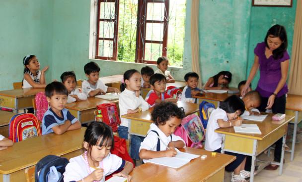 Sắp xếp cơ học sẽ không bảo đảm điều kiện dạy và học - Hình 1