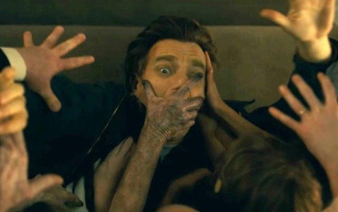 Sử dụng lại 3 cảnh kinh điển, Doctor Sleep có đang 'dựa hơi' quá nhiều vào The Shining! - Hình 1