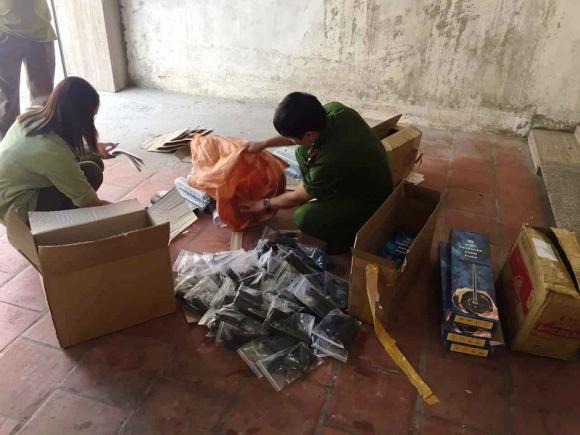 Bắc Giang : Bắt giữ 3 vụ vận chuyển hàng hóa không rõ nguồn gốc - Hình 1
