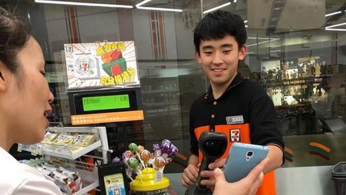 Công nghệ mới giúp du khách tới Trung Quốc không cần mang tiền mặt - Hình 1