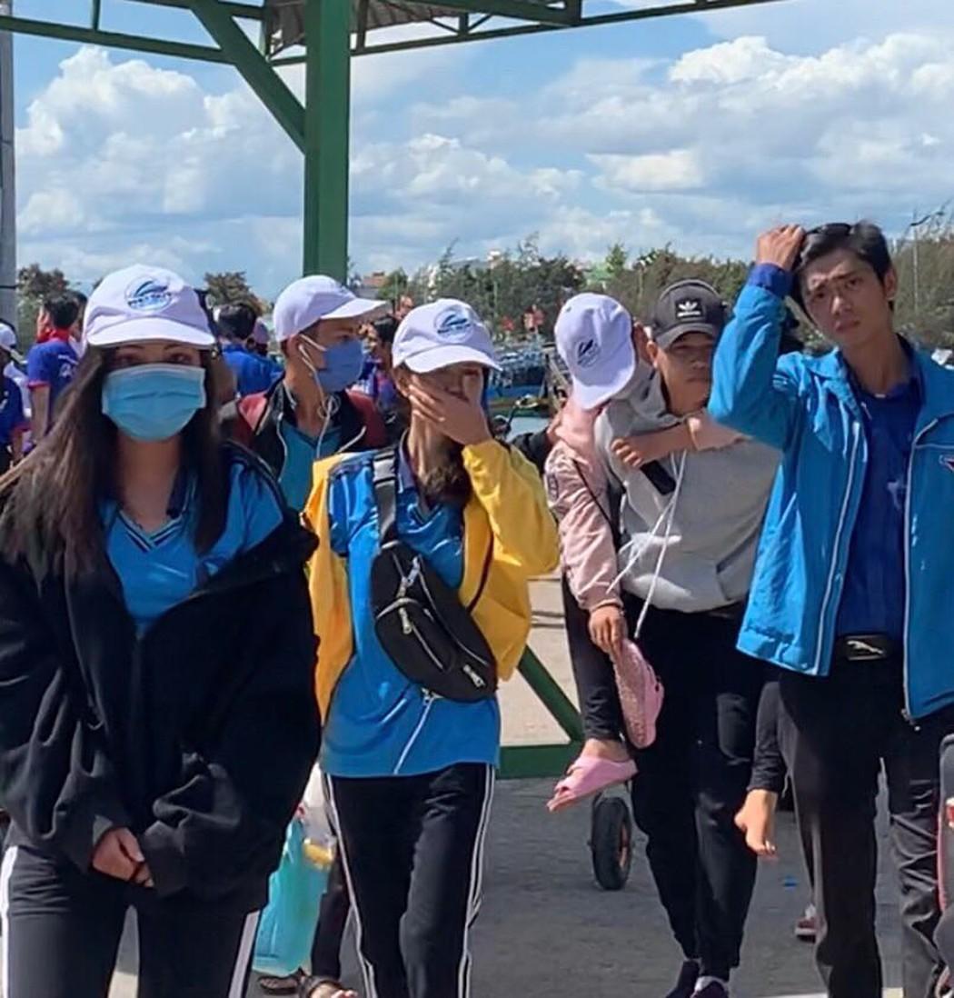Năm 2020 học sinh huyện đảo Phú Quý vẫn phải vào đất liền để thi tốt nghiệp - Hình 1