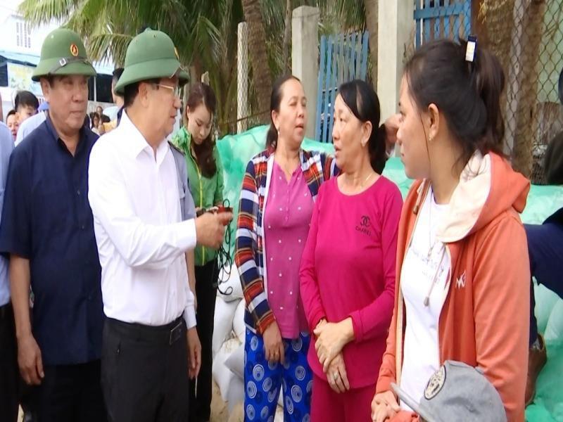 Phó Thủ tướng Trịnh Đình Dũng kiểm tra chống bão ở Bình Định - Hình 1