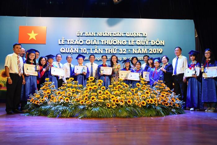 Tuyên dương 82 học sinh đạt giải thưởng Lê Quý Đôn - Hình 1