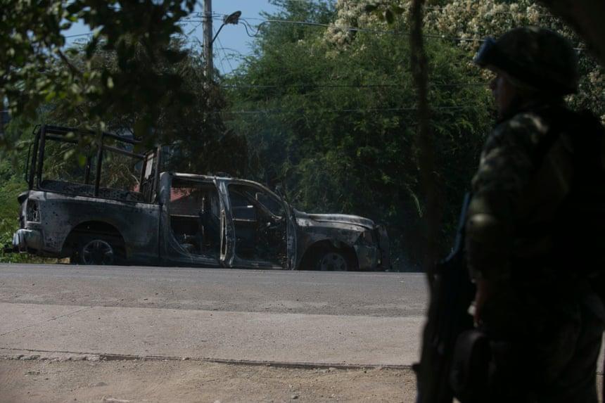 Vì sao cảnh sát Mexico thường thất thế khi đối đầu với các băng đảng tội phạm? - Hình 2