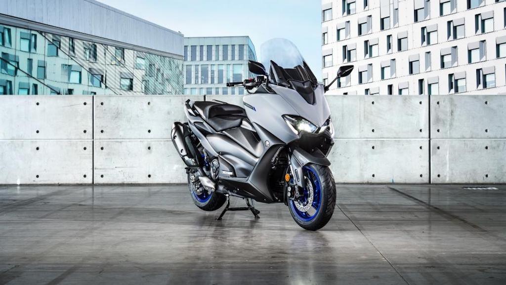 Xịn không thua gì mô tô thực thụ, nhưng cửa nào để mẫu xe ga Yamaha này về Việt Nam? - Hình 1