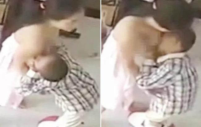 Cậu bé 9 tuổi vẫn chưa cai sữa, vô tư vạch áo mẹ đòi bú ngay ở nơi công cộng - Hình 1