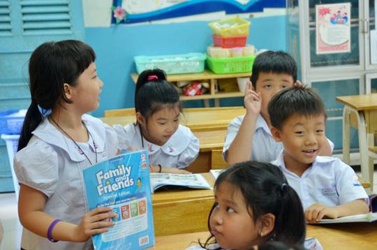 Người nước ngoài viết sách giáo khoa tiếng Anh: Tại sao không? - Hình 1
