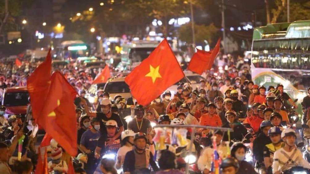 Phó Thủ tướng chỉ đạo nóng đảm bảo ATGT sau chức vô địch của U22 Việt Nam - Hình 1