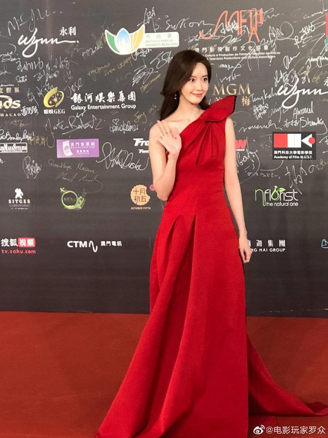 Chỉ là hình ảnh chụp vội và chưa qua chỉnh sửa, Yoona cũng khiến fan ngất ngây vì nhan sắc đẹp rạng rỡ không tì vết - Hình 1