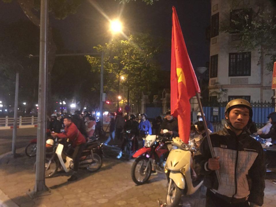 Huy chương vàng này chúng tôi xin dành tặng toàn thể nhân dân Việt Nam - Hình 1