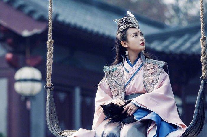Những sao nữ Hoa Ngữ từng được Vu Chính lăng xê (Phần 2): Lâm Tâm Như bị tố vô ơn, Lý Nhất Đồng đóng đến 9 phim vẫn không khởi sắc - Hình 1