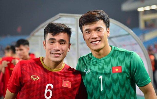 Tiến Dũng - Tiến Dụng: Cặp anh em vàng của bóng đá Việt Nam! - Hình 1