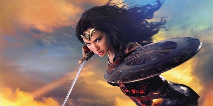 Vì sao Wonder Women không có khiên và kiếm trong bộ phim 1984? - Hình 2