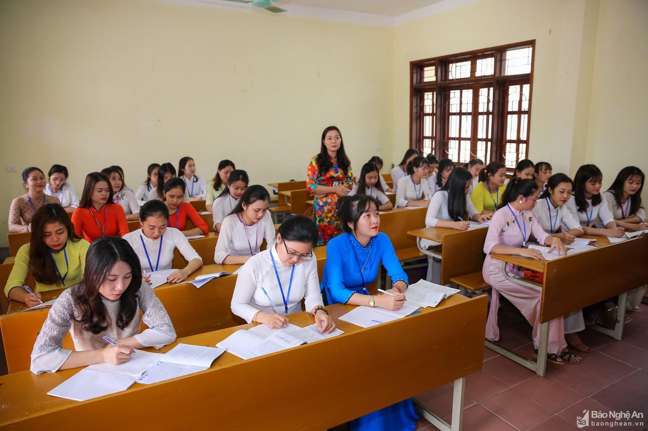 Ý kiến xung quanh việc trao quyền cho hiệu trưởng lựa chọn sách giáo khoa - Hình 1