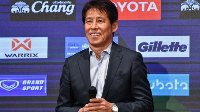 HLV Nishino muốn có dàn trợ lý như thầy Park - Hình 1