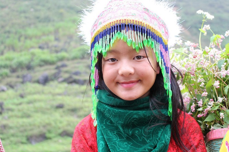 Ngắm nụ cười trong veo của những đứa trẻ vùng cao Hà Giang - Hình 1