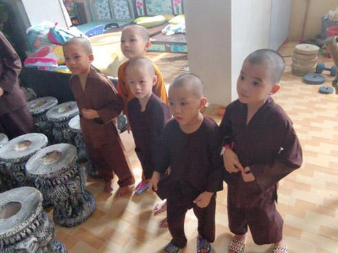 Nguyễn Sin tố trụ trì Tịnh thất Bồng Lai có 7 vợ, lập cơ sở từ thiện ma bắt trẻ em phải lao động - Hình 9