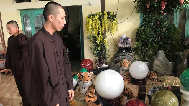 Nguyễn Sin tố trụ trì Tịnh thất Bồng Lai có 7 vợ, lập cơ sở từ thiện ma bắt trẻ em phải lao động - Hình 1