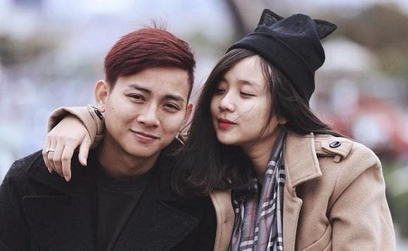 Bà xã Hoài Lâm tung loạt ảnh của con gái đầu sau thời gian giấu kín - Hình 1