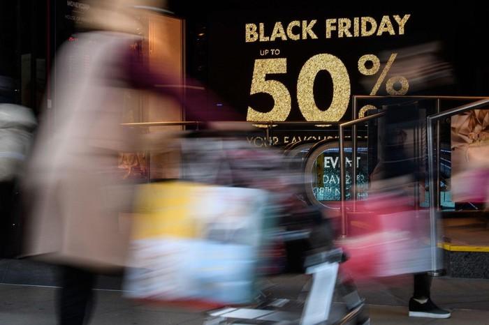 Bán hàng online thu 7,4 tỷ USD ngày Black Friday - Hình 1
