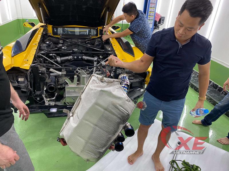 Đại gia Hoàng Kim Khánh độ Lamborghini Aventador S pô khạc lửa dài nhất Việt Nam - Hình 2
