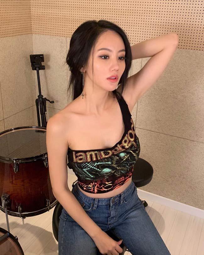 Mỹ nữ chơi trống gợi cảm nhất Châu Á từng là người mẫu 18 - Hình 5