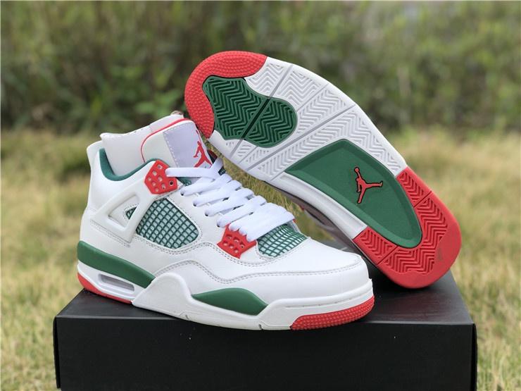 6 đôi giày có màu xanh, đỏ, trắng nên mua vào dịp Giáng sinh này - Hình 1