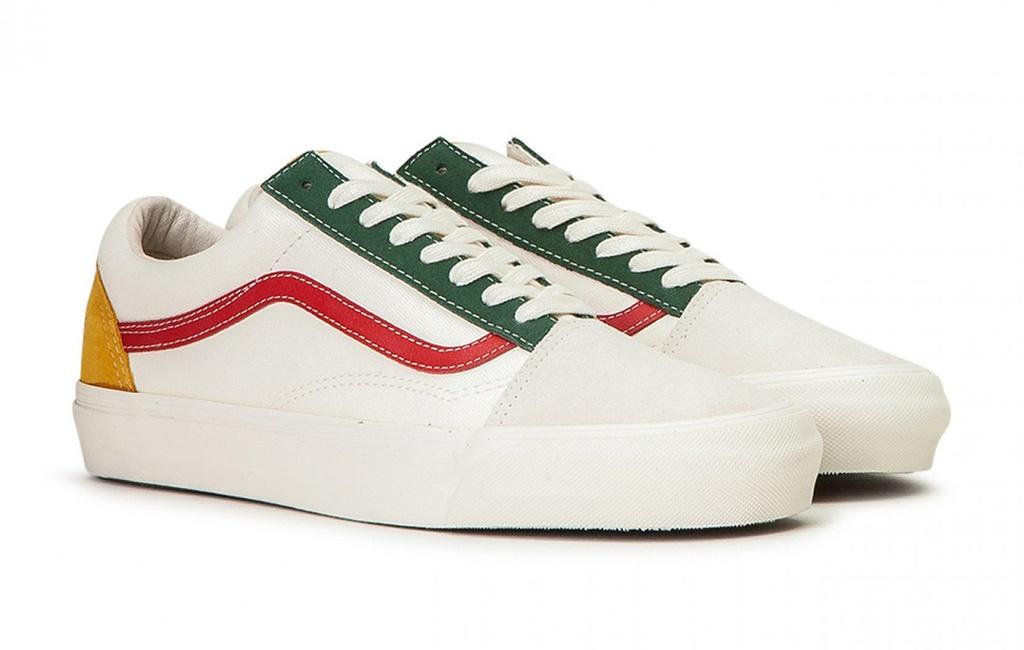 6 đôi giày có màu xanh, đỏ, trắng nên mua vào dịp Giáng sinh này - Hình 9