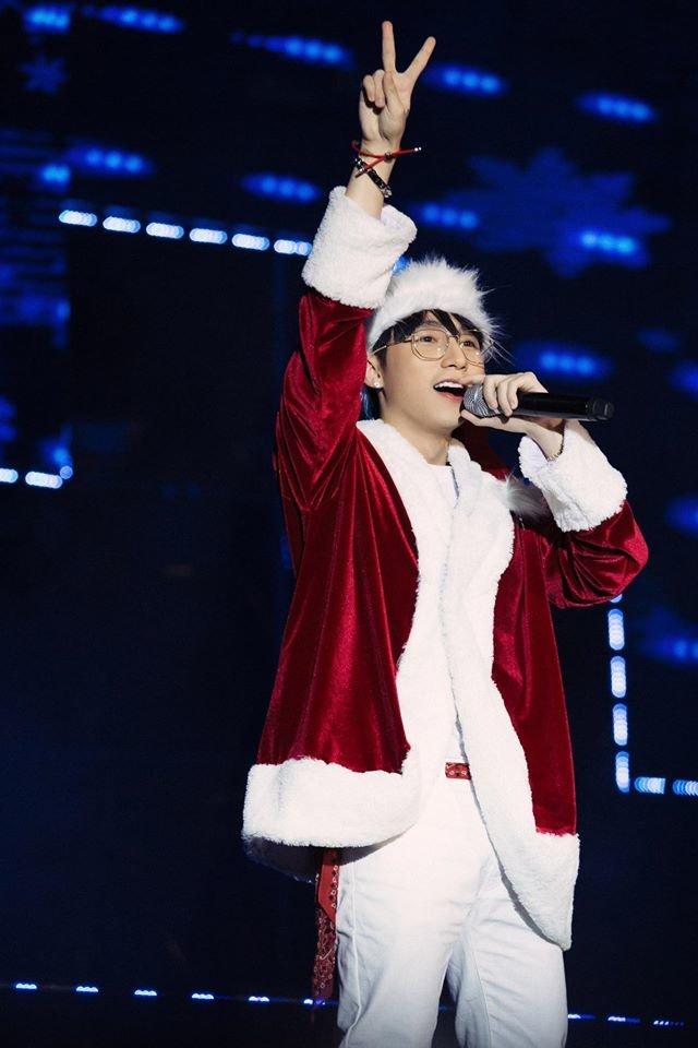 Nhìn thấy Sơn Tùng M-TP, chỉ ước món quà Giáng Sinh năm nay là anh già Noel - Hình 6