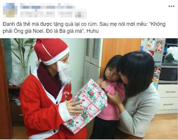 Cosplay ông già Noel để tặng quà Giáng Sinh cho con, bố mẹ khóc thét vì toàn...sự cố ngoài ý muốn - Hình 1