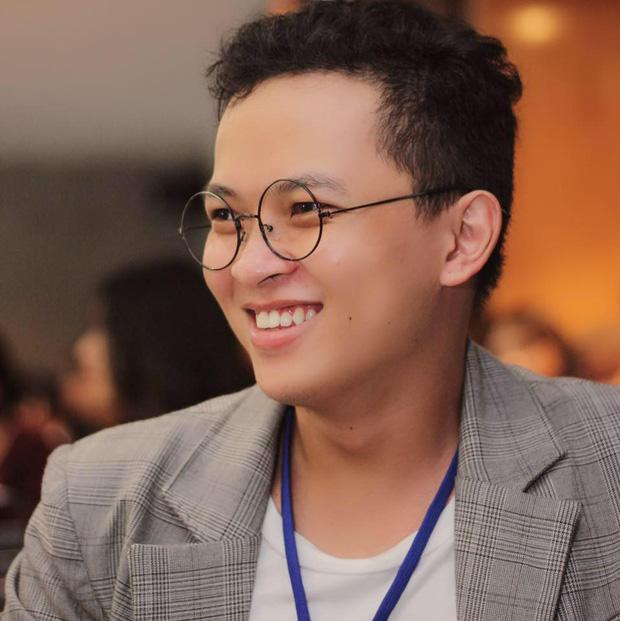 """Chàng Hoạ Sĩ Việt Nam Vẽ Tranh Thời Trang """"đẹp Như Tây"""