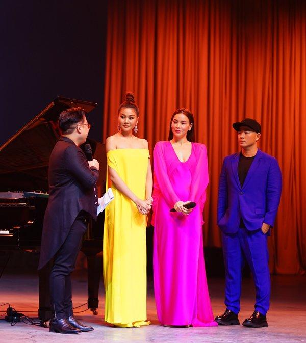 Thanh Hằng, Hà Hồ và dàn hoa hậu dắt tay nhau tham dự triển lãm của Nguyễn Công Trí - Hình 3