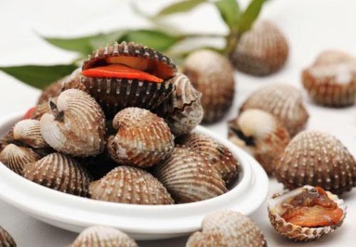 Chăm ăn những thực phẩm này, không bao giờ phải lo tóc rụng và bạc sớm - Hình 1