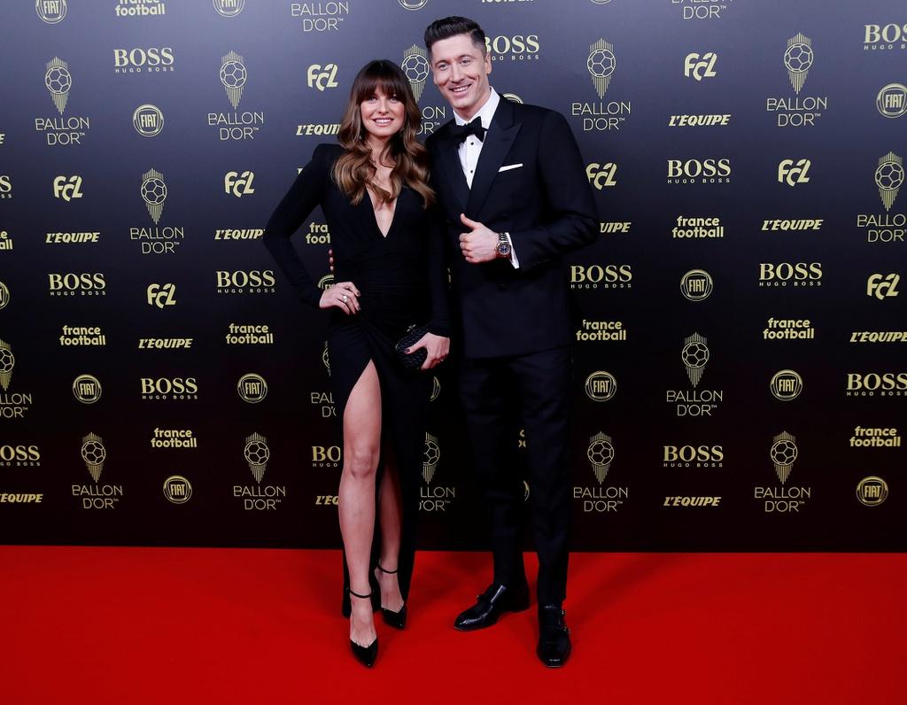 Dàn khách VIP chứng kiến Messi lập kỷ lục giành Quả bóng Vàng - Hình 1