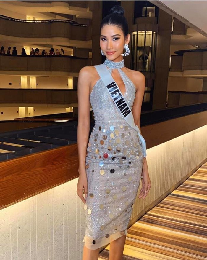 Diện váy phản xạ ánh sáng, Hoàng Thùy được hoa hậu Thái Lan khen hết lời, fan thả tim mỏi tay - Hình 1