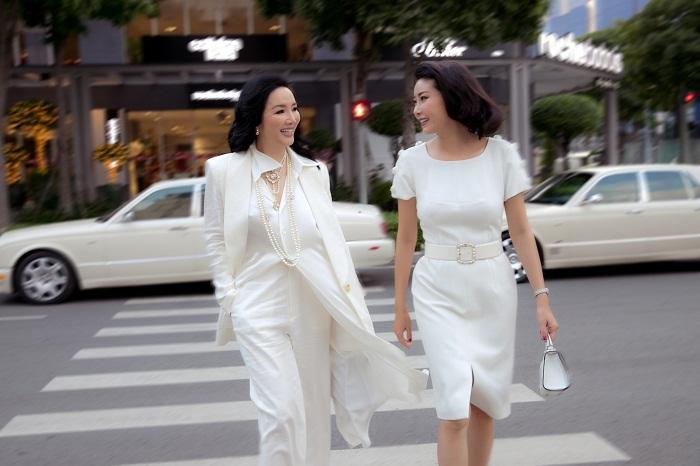 Hoa hậu Hà Kiều Anh xuất hiện quyến rũ với đồ trắng - Hình 7
