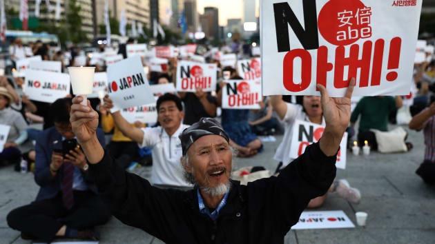 Kinh tế lao đao buộc Nhật Bản và Hàn Quốc hòa hoãn - Hình 1
